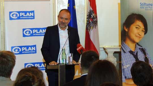 Bundesminister Mag. Thomas Drozda bei der Preisverleihung