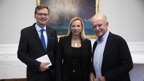 Hr. Kralinger, Fr. Bogner-Strauß, Hr. Klausnitzer (c) BKA_Christopher Dunker